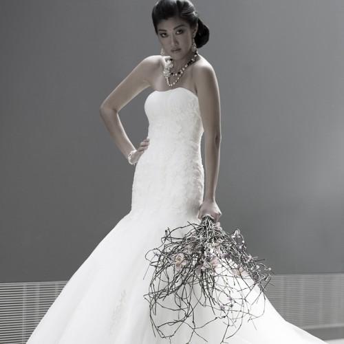 bride with big bouquet